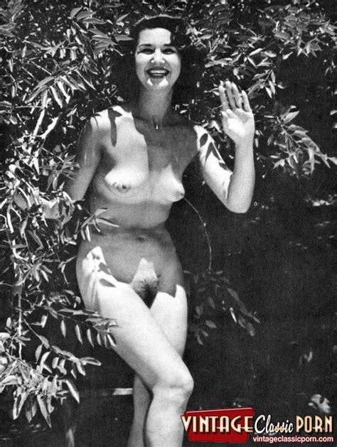Un desnudo de los 60s jpg 600x797